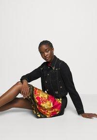 Versace Jeans Couture - LADY JACKET - Denim jacket - black - 4