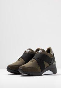 Mariamare - PRINCE - Nazouvací boty - khaki - 4