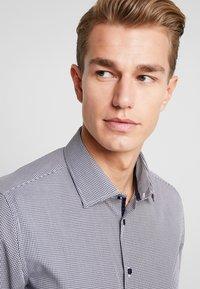 Seidensticker - SLIM FIT - Zakelijk overhemd - dark blue - 3