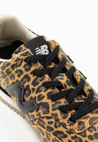 New Balance - WLC10 - Trainers - brown - 2