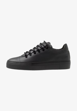 JAGGER CLASSIC - Sneaker low - black