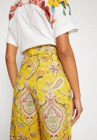 Desigual - PANT LUCAS - Pantalon classique - yellow - 3