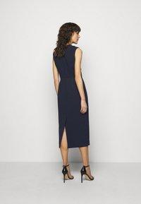 Roksanda - FLANDRE DRESS - Pouzdrové šaty - midnight/sangria - 2