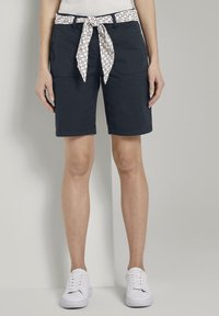 TOM TAILOR - BERMUDA - Shorts - sky captain blue - 0