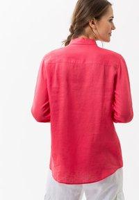 BRAX - VICTORIA - Button-down blouse - papaya - 2
