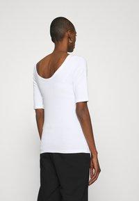 GAP - MOD BALLET - Basic T-shirt - optic white - 2