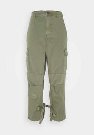 Pantalones - verde alpino
