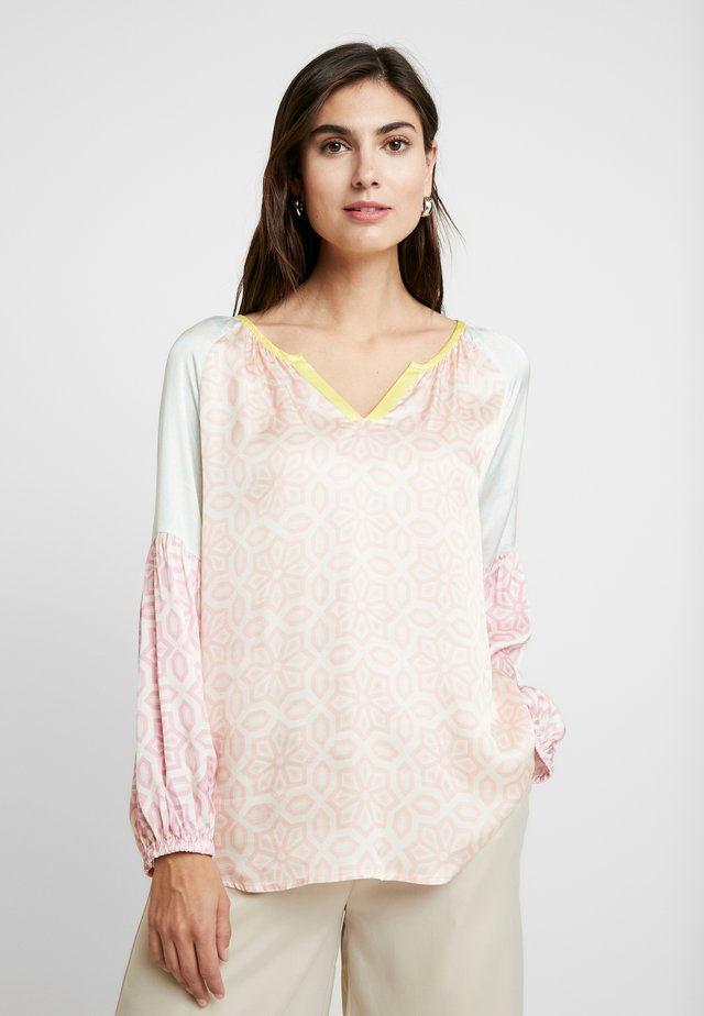 PATCHWORK - Blouse - peach skin