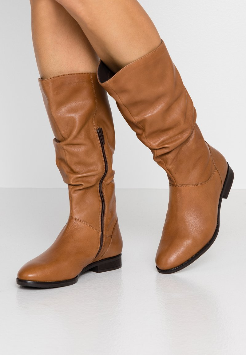 Pier One Wide Fit - Boots - cognac