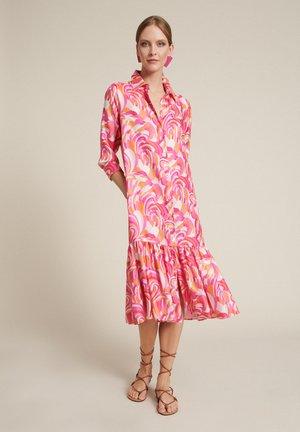 Shirt dress - var fucsia/arancio