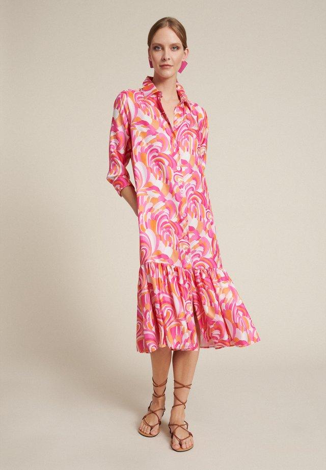 Skjortklänning - var fucsia/arancio