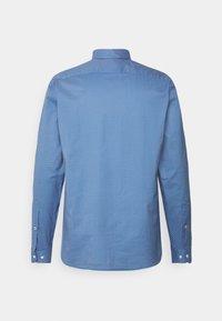Tommy Hilfiger - FLEX GEO FLORAL PRINT REGULAR FIT - Shirt - copenhagen blue/white/ yale navy - 7