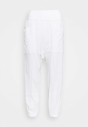 RELAXED YOGA PANTS - Pantalones deportivos - white