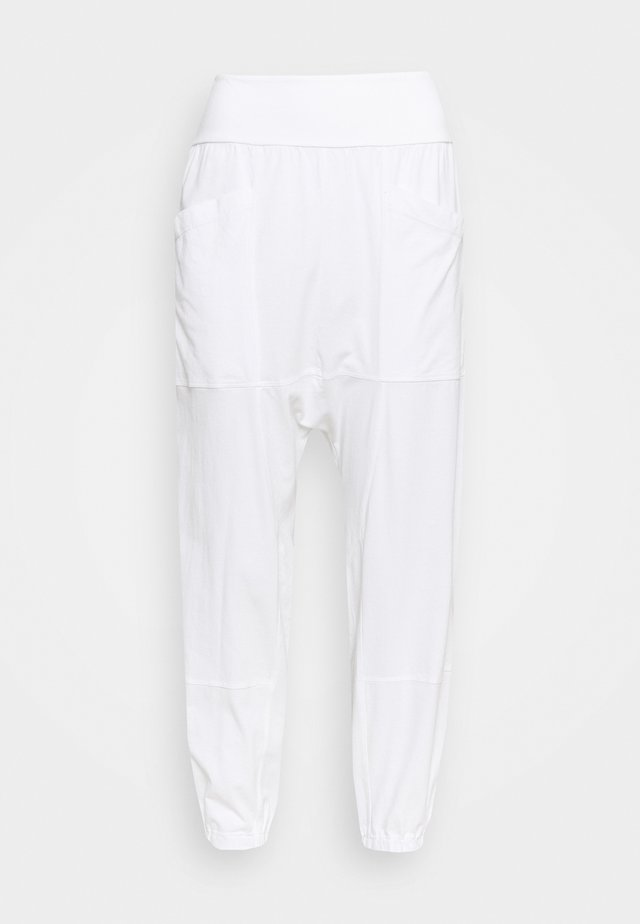RELAXED YOGA PANTS - Pantalon de survêtement - white