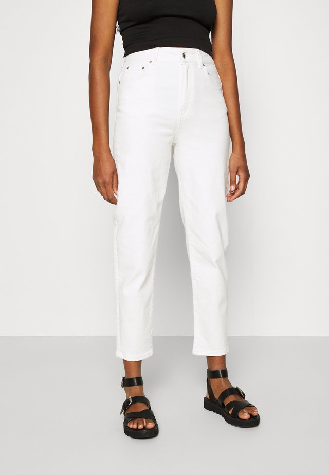 COMFY MOM - Džíny Relaxed Fit - offwhite