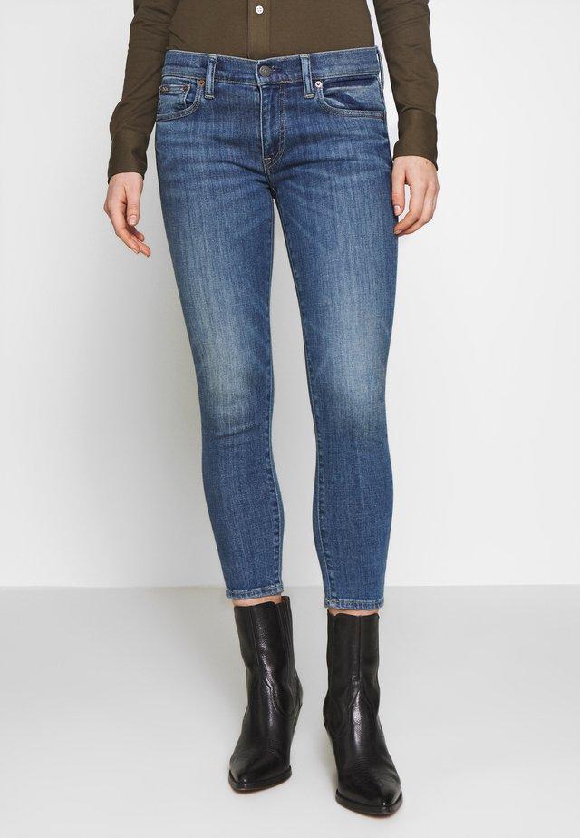 BAYE WASH - Jeans Skinny Fit - medium indigo