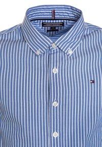 Tommy Hilfiger - BOYS STRIPE - Camisa - blue - 2