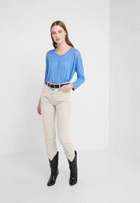 CLOSED - WOMEN´S - Long sleeved top - bluebird - 1