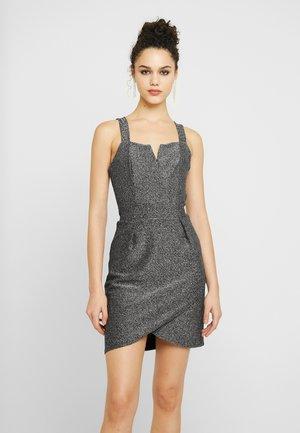 MINI DRESS - Koktejlové šaty/ šaty na párty - silver