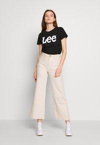 Lee - LOGO TEE - T-shirts med print - black - 1