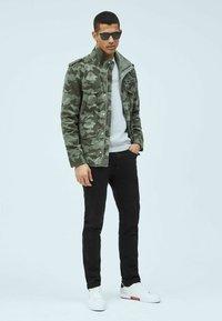 Pepe Jeans - Summer jacket - waldgrün - 1
