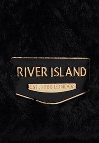 River Island - FLUFFY QUILTED SHOULDER BAG - Handbag - black - 3