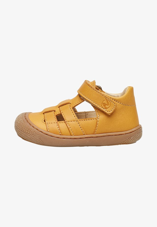 Chaussures premiers pas - orange