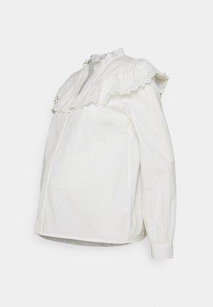 PCMEVANGLA SHIRT - Overhemdblouse - bright white