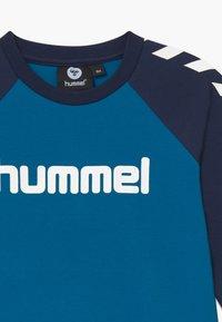 Hummel - Langærmede T-shirts - blue sapphire - 3