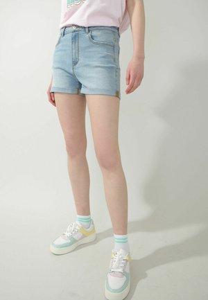 Shorts di jeans - ausgewaschenes blau