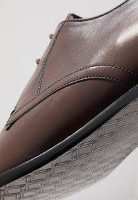 Ted Baker - SUMPSA DERBY SHOE - Stringate eleganti - brown - 6