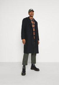 Mennace - TAILORED COAT - Classic coat - navy - 1