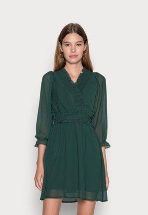 VMCARINA 3/4 FLOUNCE DRESS - Vestito estivo - pine grove