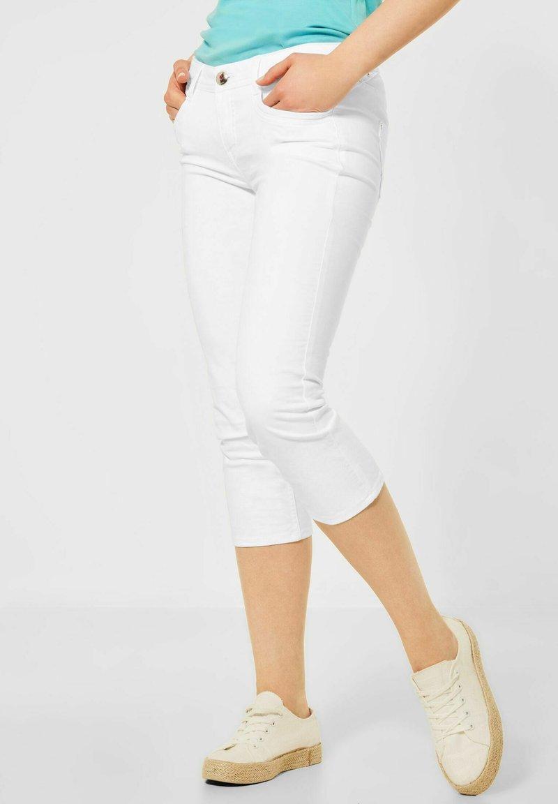 Street One - CASUAL FIT IN 3/4 - Denim shorts - weiß