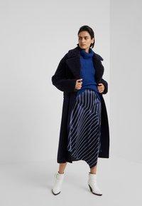Bruuns Bazaar - SIRIH AUGUSTA - Strickpullover - indigo blue - 1