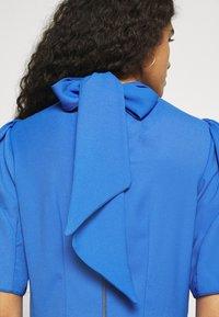 Closet - TIE BACK A LINE DRESS - Kjole - blue - 4