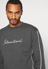 New Look - PIPED  - Sweatshirt - dark grey - 3