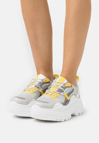 Topshop - CAMMIE CHUNKY TRAINER - Baskets basses - grey - 0