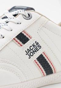 Jack & Jones - JFWBENSON  - Sneakers - white - 5