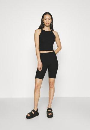 ONLNELLA SET - Shorts - black/black