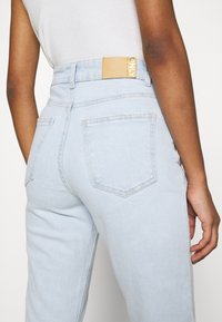 ONLY - ONLEMILY LIFE CROP - Jeans Skinny Fit - light blue denim - 6