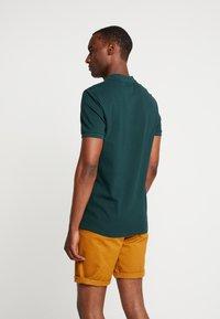 Lyle & Scott - SLIM FIT - Poloshirts - jade green - 2