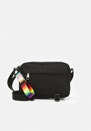 PRIDE UTILITY CAMERA BAG - Across body bag - black