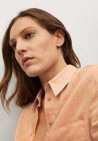Mango - JENI - Button-down blouse - oranje - 3
