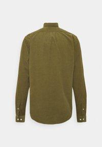 Samsøe Samsøe - LIAM SHIRT - Camisa - capulet olive - 9