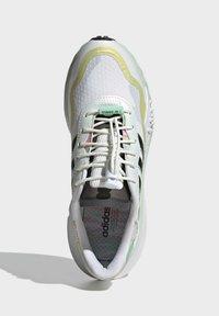 adidas Originals - CHOIGO  - Tenisky - ftwr white/core black/frozen green - 4