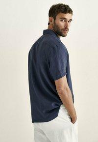 Massimo Dutti - Overhemd - blue-black denim - 2