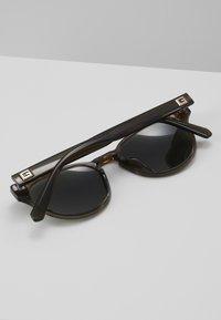 Guess - Sunglasses - light brown/green - 4