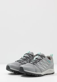 The North Face - W LITEWAVE FASTPACK II WP - Trainers - griffin grey/dark shadow grey - 2