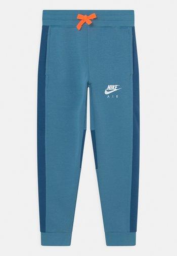 AIR PANT - Pantaloni sportivi - dutch blue/court blue